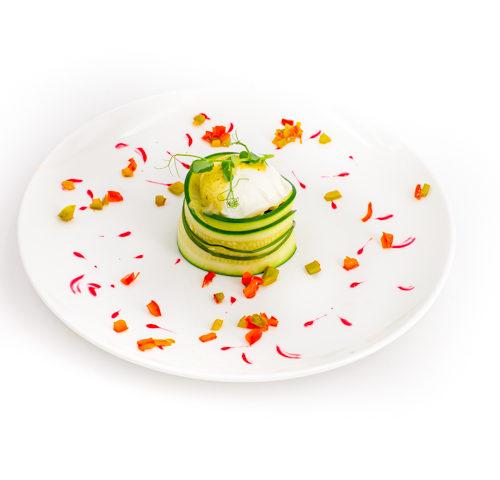 menu le végétarien pivoineœuf norvégien truffe piperade et légumes de saison